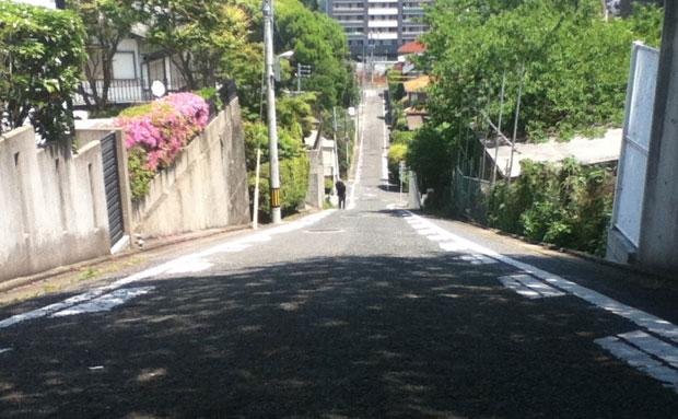 福岡市中央区小笹の急坂